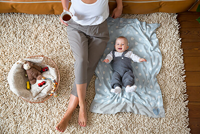 LAESSIG-Expertentipp-Baby-Erstausstattung-Mama